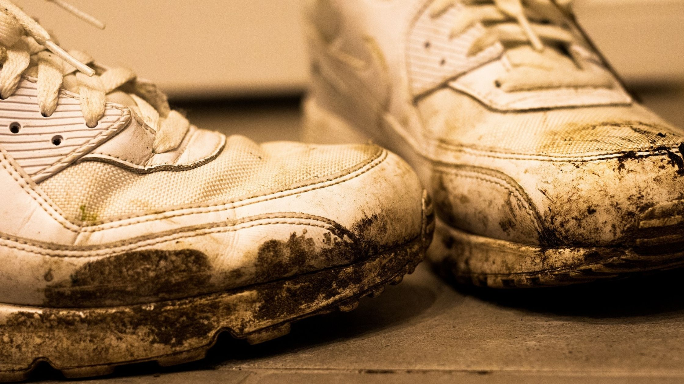 How To Get Tar Off Of Shoes
