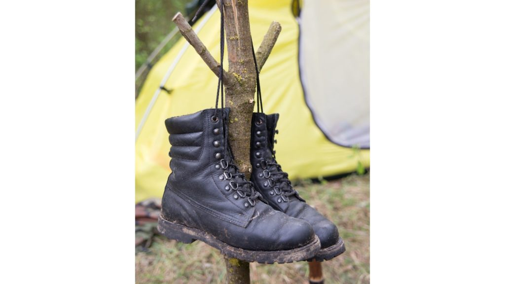 How to Dry Wet Boots